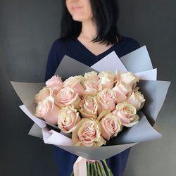 Букет из 15 светло розовых роз