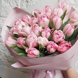 Букет из 31 пионовидного тюльпана