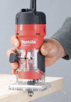 Фрезер Makita M3700
