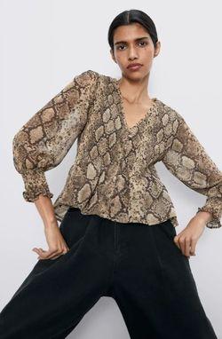Блуза ZARA Принт змея zara 4886/289/700