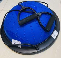 Bosu диск для баланса с ручками-эспандерами и шипами 47x15 см S124-33 (3231)