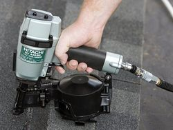 Pistol pneumatic pentru batut cuie Hitachi NV45AB2-L3