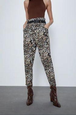 Pantaloni ZARA Imprimeu leopard 4043/057/330.
