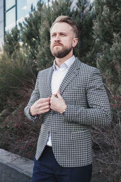 Sacou alb-negru în carouri mărunte pentru bărbați
