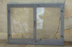 Дверца стальная каминная со стеклом двустворчатая