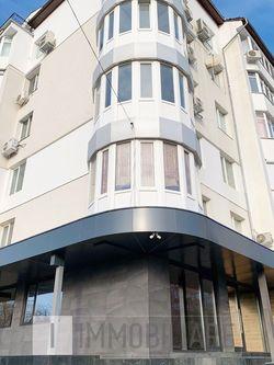 Apartament cu 3 camere, sect. Buiucani, str. Ion Creangă.