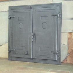 Дверца чугунная глухая двустворчатая DW3