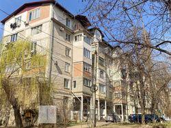 Apartament cu 3 camere, sect. Botanica, str. N. Titulescu.