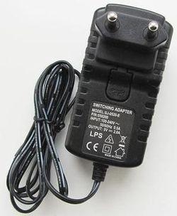 купить Зарядное устройство сетевое Ainol Incarcator de retea (SJ-0520-E), Switching Adapter, Input: 100-240V 50/60Hz 0.5A / Output: 5V = 2.0A в Кишинёве