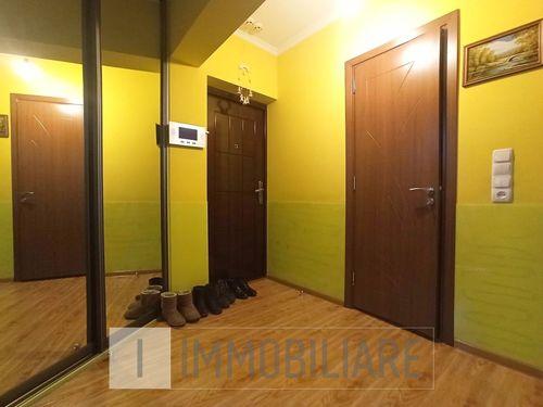 Apartament cu 2 camere, sect. Poșta Veche, str. Calea Orheiului.