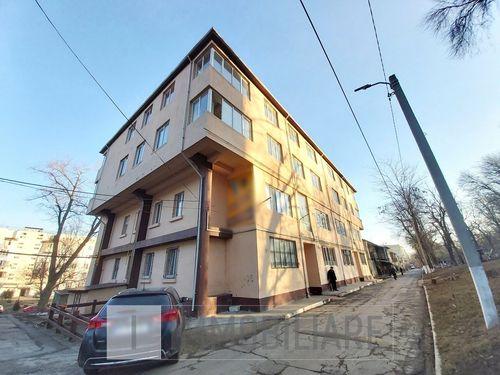 Apartament cu 1 cameră + living, loc. Codru, str. Costiujeni.