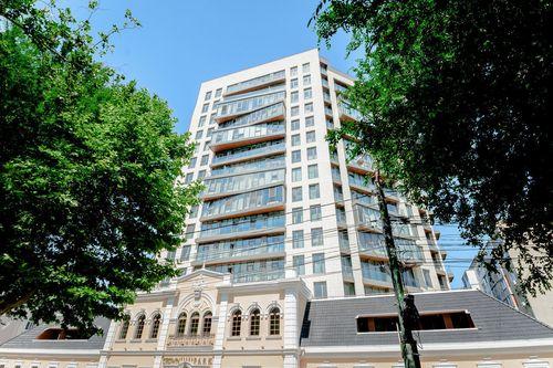 Crown Plaza Park. Apartament cu 2 camere (70m2)