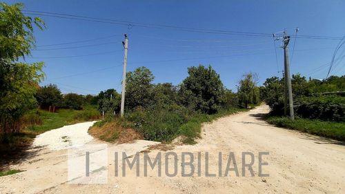 Teren pentru construcții, reg. Ialoveni, loc. Dânceni.