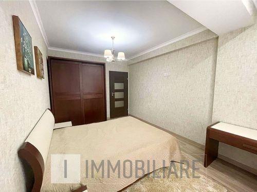 Apartament cu 3 camere, sect. Centru, str. Constantin Vârnav.