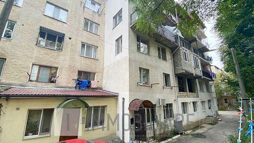 Apartament cu 3 camere, sect. Buiucani, str. Cornului.