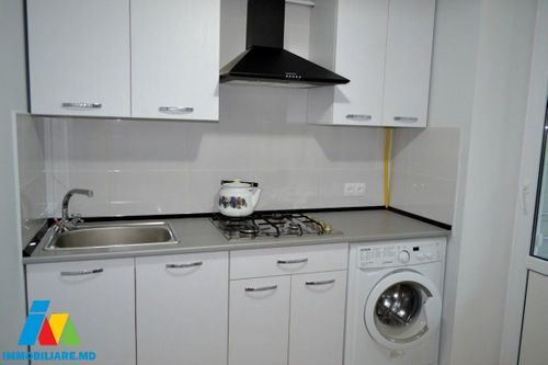 Apartament cu 2 camere, sectorul Rîșcani, str. Matei Basarab.