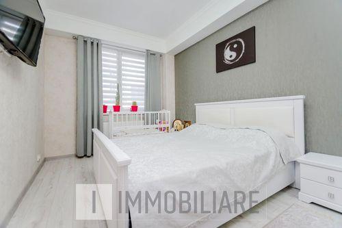 Apartament cu 3 camere, sect. Botanica, str. Nicolae Testemițanu.