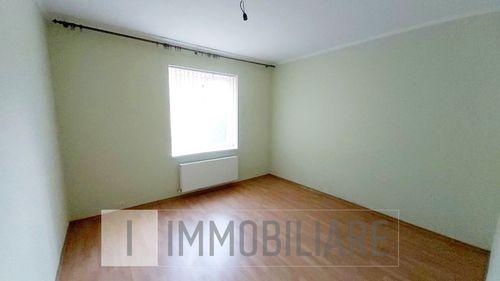 Apartament cu 2 camere, sect. Centru, str. Cobzarilor.