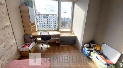 Apartament cu 2 camere+living, sect. Rîșcani, str. Alecu Russo.