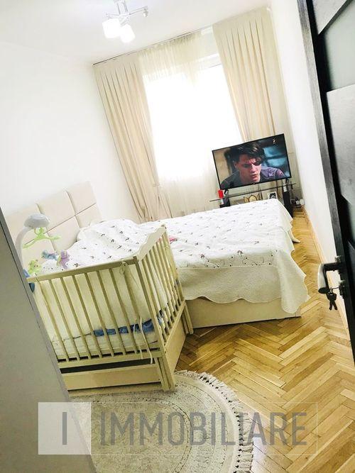 Apartament cu 3 camere, sect. Botanica, str. Nicolae Zelinski.