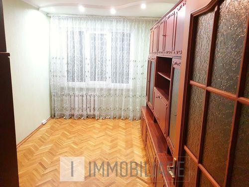 Apartament cu 3 camere, sect. Centru, str. Ismail.
