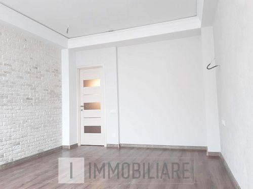 Apartament cu 2 camere+living, sect. Buiucani, bd. Alba-Iulia.