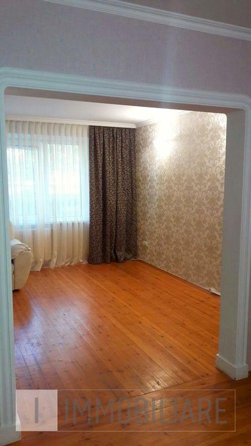 Apartament cu 3 camere, sect. Ciocana, str. Mihail Sadoveanu.