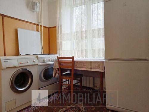 Apartament cu 2 camere, sect. Botanica, str. Costiujeni.