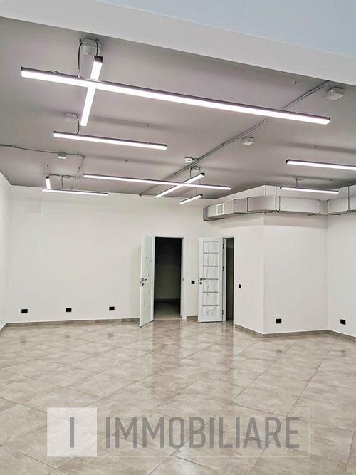 Spațiu comercial, sect. Rîșcani, str. Nicolae Dimo.