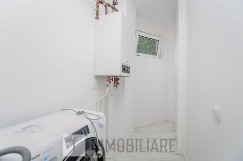 Apartament cu 2 camere+living, cu terasă, sect. Botanica, str. Trandafirilor.