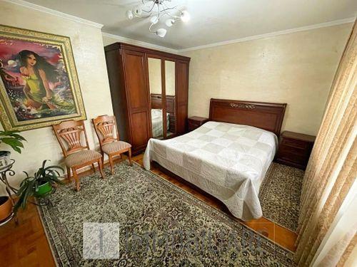 Apartament cu 4 camere, sect. Buiucani, bd. Alba Iulia.