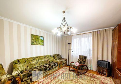 Apartament cu 3 camere, sect. Botanica, str. N. Testemițanu.