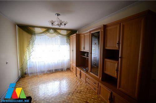 Apartament cu 3 camere, sectorul Botanica.