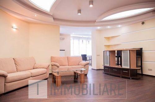 Apartament cu 3 camere+living, sect. Centru, str. Vasile Alecsandri.