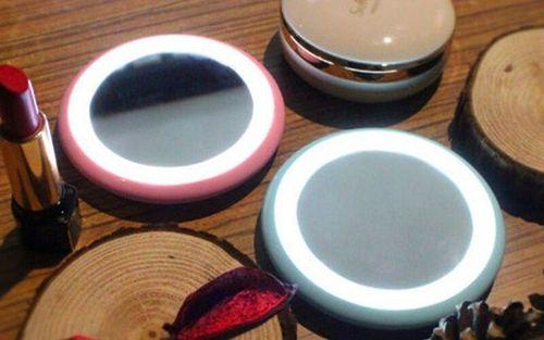 cumpără Oglinda LED Make Up Mirror în Chișinău