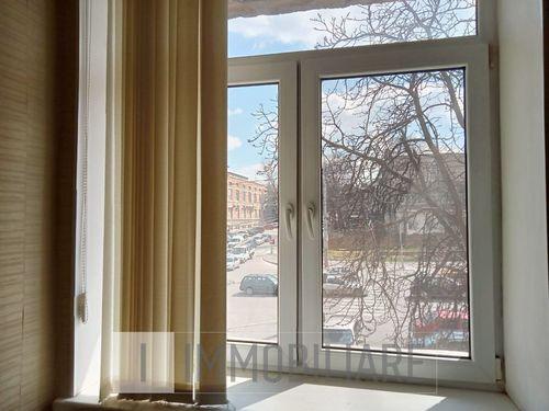 Apartament cu 3 camere, sect. Centru, str. Columna.