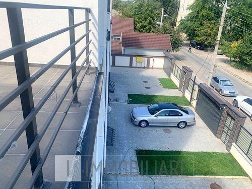 Townhouse în 3 niveluri cu terasă, sect. Buiucani, str. Gheorghe Tofan.