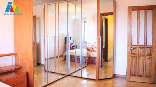 Apartament 3 camere. Sectorul Botanica, str. Pandurilor.