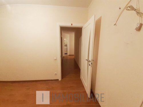 Apartament cu 2 camere+living, sect. Botanica, str. Costiujeni.
