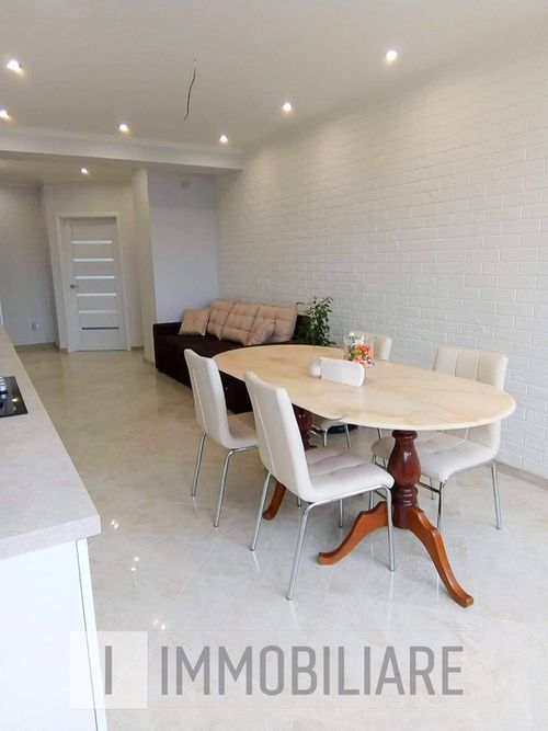Apartament cu 3 camere+living, sect. Centru, str. Arheolog Ion Casian Suruceanu.