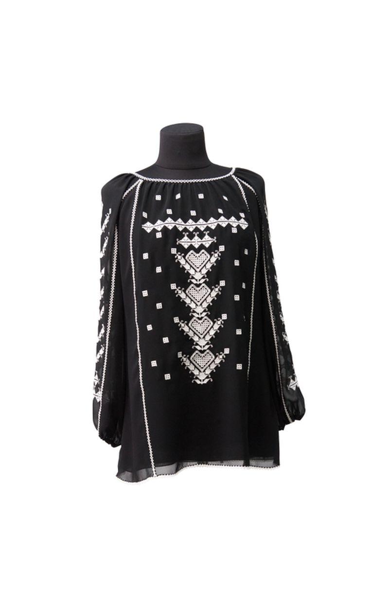 Традиционная женская рубашка